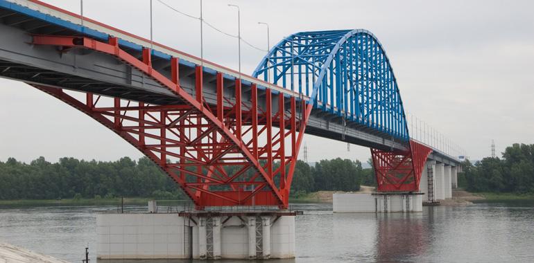Мост через реку Енисей на
